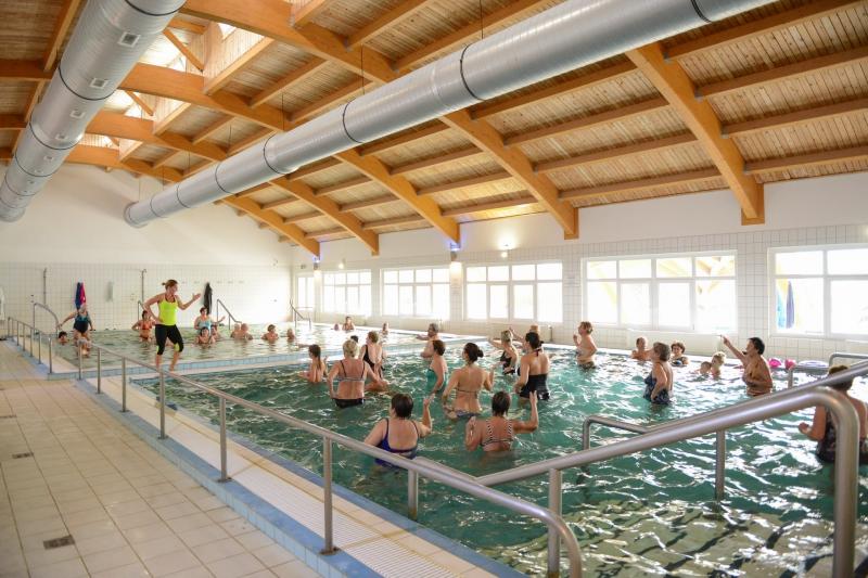 Zenés Aqua-fitness órák az Igali-Gyógyfürdőben